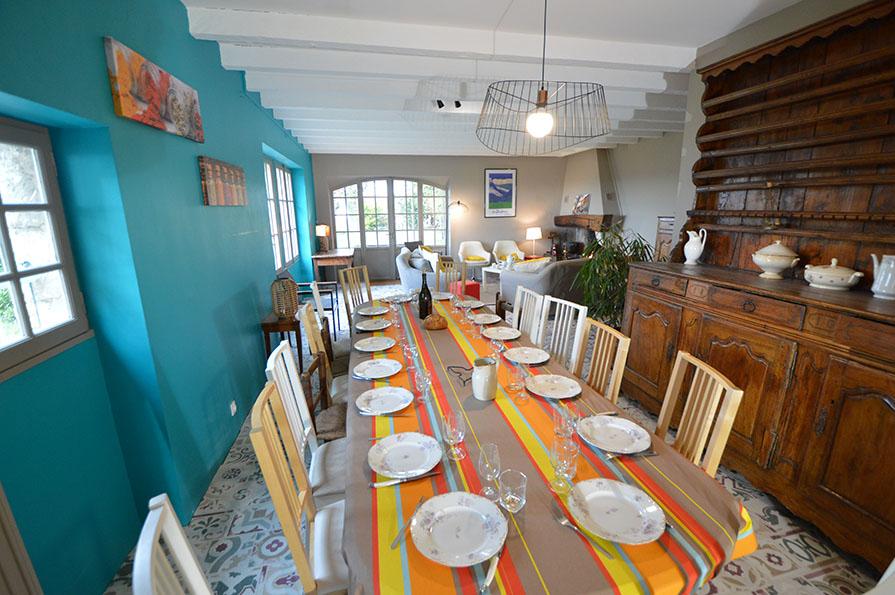 Mas Antonin La Garde Adhémar - salle à manger